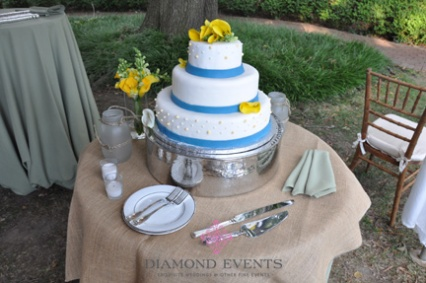 Round 3 Tier Wedding Cake with Yellow Calla Lilies