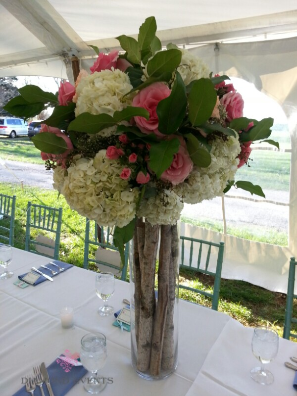 Tall centerpiece with birch wood base
