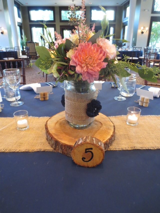 dahlias, rustic, Diamond Events, log, florist, planner, coordinator